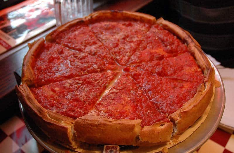 Pizza Chicagowska, deep dish pizza